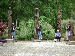 empat manusia di kampung budaya sarawak